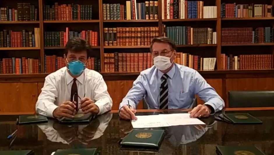 Bolsonaro fará novo exame de coronavírus e ficará isolado