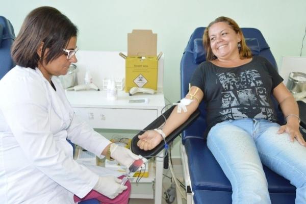 Mulheres podem doar sangue, menos quando estiverem grávidas ou amamentando Carla Cleto