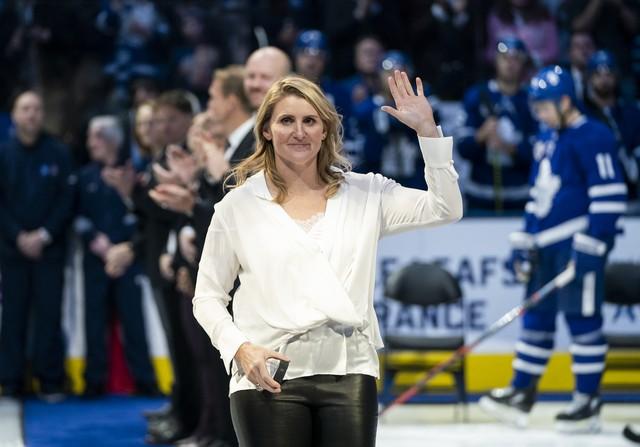 Hayley Wickenheiser disparou contra decisão do COI — Foto: Mark Blinch/NHLI