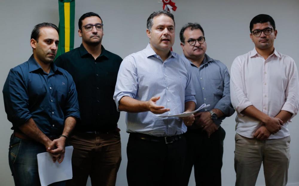 Anúncio foi feito por meio de live nas redes sociais no início da noite desta quarta (18) / Thiago Sampaio