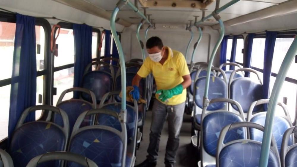 Coronavírus: prefeitura de Arapiraca adota procedimentos de higienização em ônibus intramunicipais