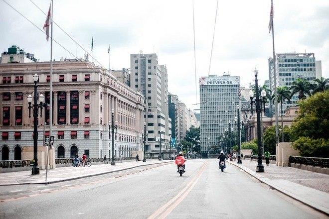 Quarentena: fotógrafo registra o vazio do Centro de São Paulo