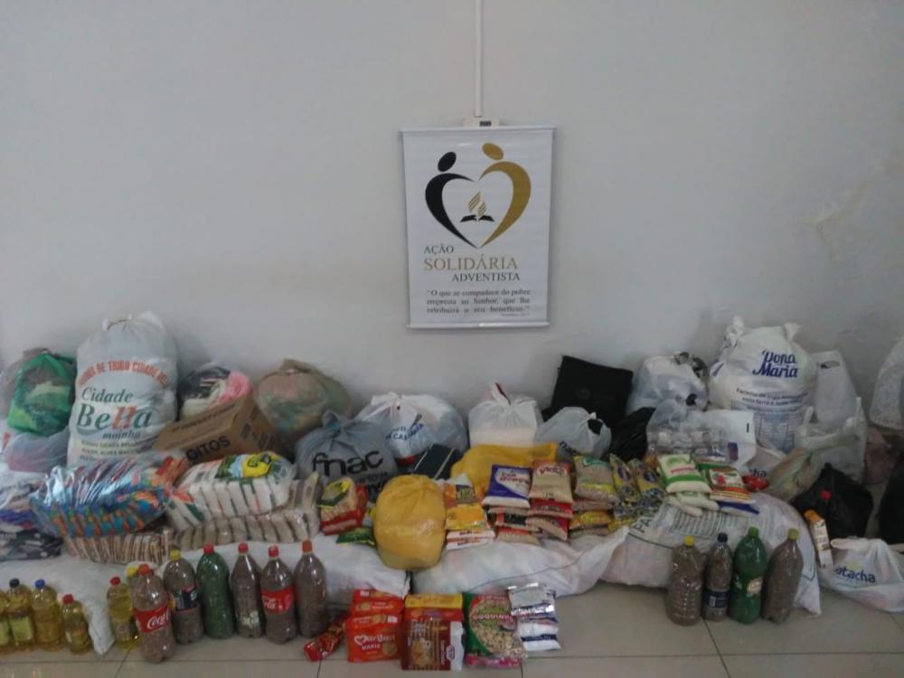 Igreja Adventista do Sétimo Dia realiza arrecadação de roupas e alimentos que foram destinados às famílias carentes de Arapiraca e Santana do Ipanema.