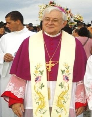 Bispo dom Valério sofre AVC e é transferido para hospital em Maceió