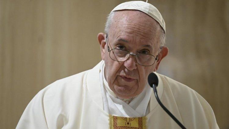 Papa pede orações para cuidadores de pessoas com deficiência
