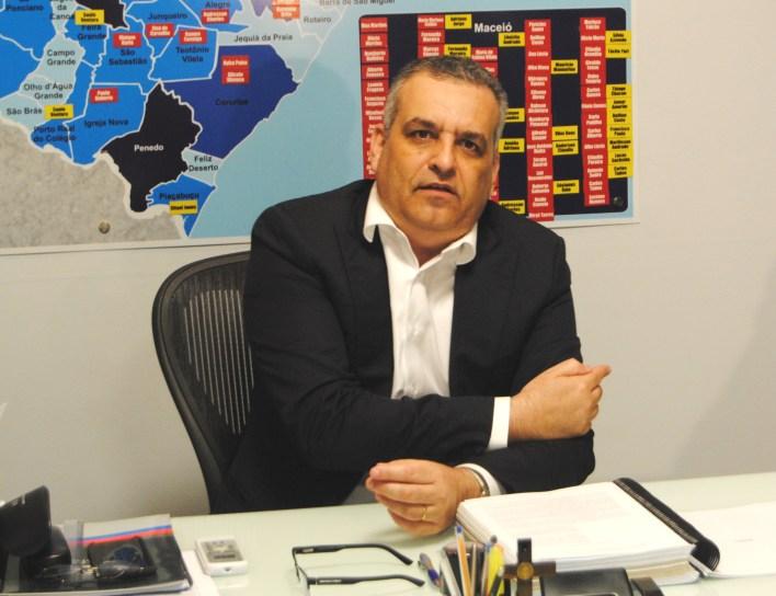 Alfredo Gaspar recebe alta médica após luta contra o Coronavírus