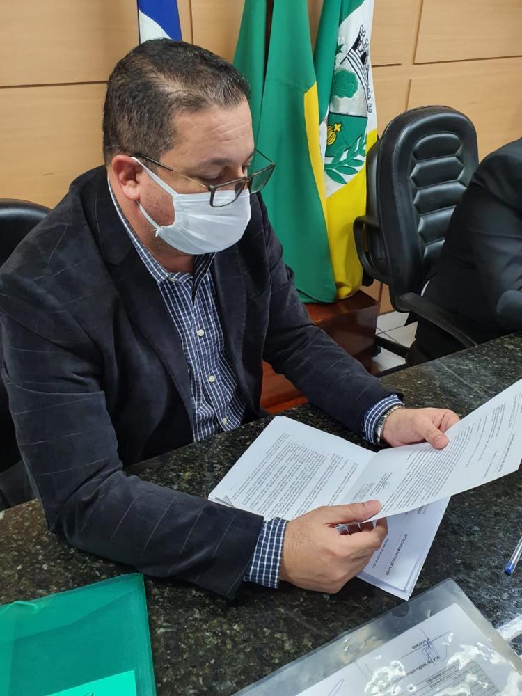 Dr. Fábio pede que hospitais que estão à frente da campanha de combate ao Covid-19, divulguem boletins diários sobre o estado clínico dos pacientes
