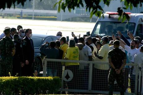 Bolsonaro diz que Brasil era 'corpo com câncer em tudo quanto é lugar'
