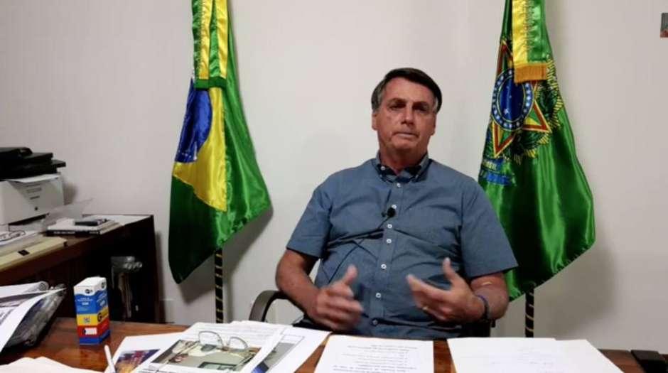Bolsonaro critica 'desinformação' e 'pânico' na pandemia