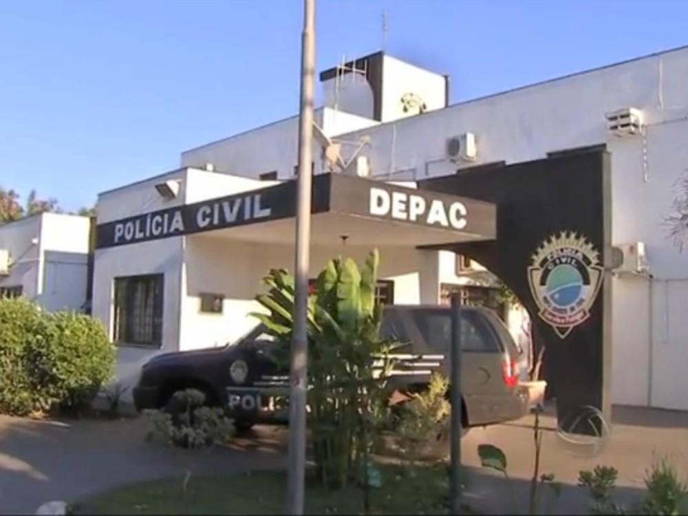 Motorista de aplicativo procurou a Depac Piratininga, em Campo Grande, após ter o carro roubado por três jovens — Foto: Reprodução/ TV Morena