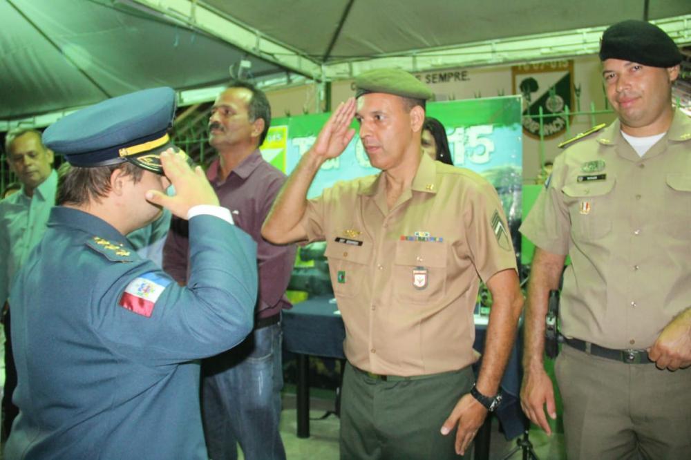 Jovem portador de Sindrome de Down, Igor Davi participa de encerramento de instrução de turma de atiradores do Tiro de Guerra