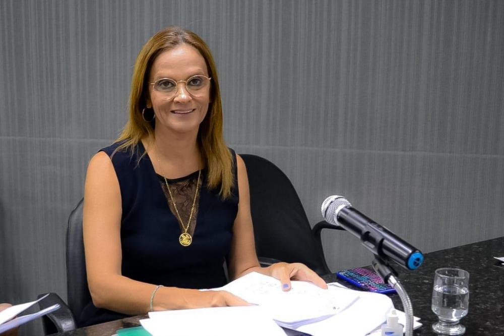 Vereadora Aurélia Fernandes comemora que pedido seu de agendamento pela internet no Já de Arapiraca  vai trazer benefícios para a população