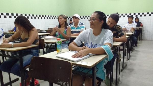 Programa Vem que Dá Tempo é destinado para jovens e adultos Ana Paula Lins