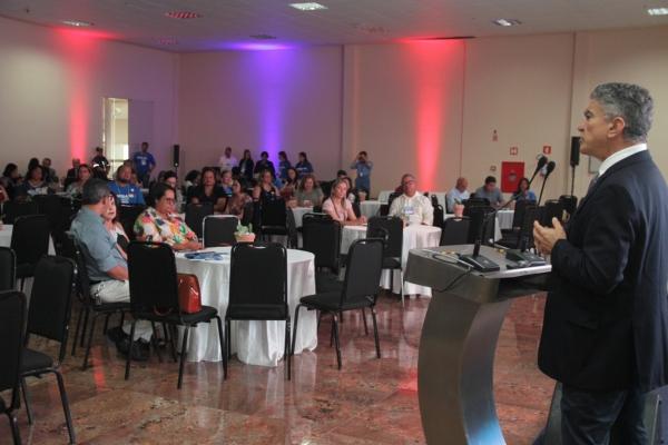 Veveu Arruda, ex-prefeito de Sobral (CE), durante palestra no Centro de Convenções de Maceió Valdir Rocha